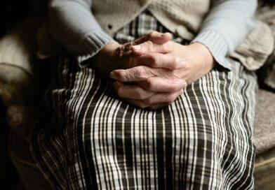 Assistenza per anziani a domicilio, ecco i fattori su cui basare la scelta