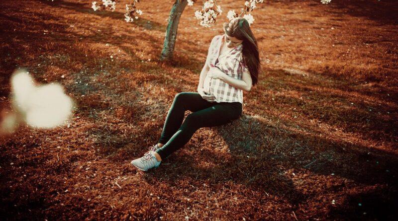 Capelli in gravidanza: come cambiano e come prendersene cura